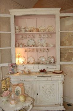 Shabby Chic Decor  ...inside is painted pink...