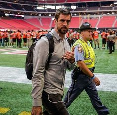 get some real music Aaron Rodgers House, Aaron Rodgers Hail Mary, Aaron Rodgers Family, Packers Baby, Packers Football, Best Football Team, Football Boys, Greenbay Packers, Go Pack Go