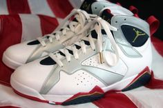 NIKE AIR JORDAN 7 RETRO WHITE/METALLIC GOLD-OBSIDIAN-TRUE RED #sneaker
