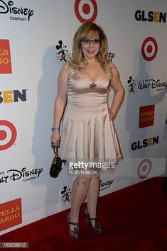 Source: http://www.zimbio.com/photos/Kirsten+Vangsness/9th+Annual+GLSEN+Respect+Awards+Arrivals/1F74IIqzNHG  Date: 2015  Kirsten is a successful actor on the tv show Criminal Minds. I would say that she dresses very feminine, often opting in for bows and ruffles.