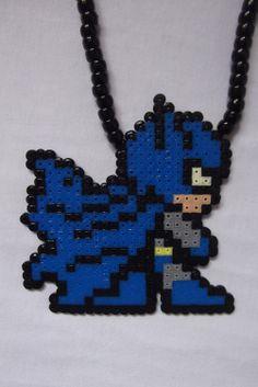 El collar Mini Batman mitad de precio por BIGBEADSUK en Etsy, £5,00