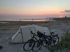 Radreise Europa Packliste - Radlerin Radler, Outdoor Gear, Tent, Celestial, Sunset, Beach, Europe, Bike Rides, Travel
