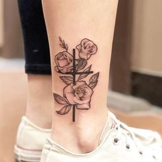 Best Cross Tattoos and Designs for Men and Women - The cross tattoo has been a popular fixture in the ink world since tattoos were invented. Leg Tattoos, Body Art Tattoos, Small Tattoos, Sleeve Tattoos, Cool Tattoos, Verse Tattoos, Tatoos, Tattoos Pics, Awesome Tattoos
