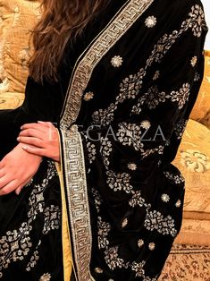 Heavy sequence and tila embroidered velvet shawl with thick sequence border on four sides. Back is having 4 inch palta. Pakistani Fashion Party Wear, Pakistani Wedding Dresses, Stylish Dress Designs, Stylish Dresses, Hand Embroidery, Embroidery Designs, Velvet Dress Designs, Velvet Shawl, Bridal Shawl