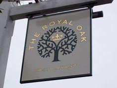 Painted pub sign at the Royal Oak, East Lavant. Office Branding, Branding Design, Branding Ideas, Royal Oak Pub, Pub Logo, Pub Interior, Honey Packaging, Sign Board Design, Pub Design