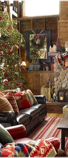 Log Cabin Rustic Christmas #MerryChristmas #Tablescapes