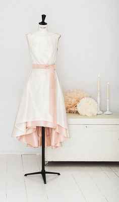 elfenkleid: feel modern yet romantic white pearl Couture, Pearl White, High Low, Tulle, Ballet Skirt, Romantic, Pearls, Modern, Skirts