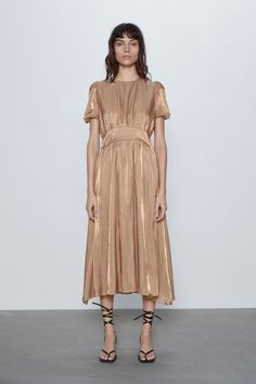 Zara midi dress with gigot sleeves Vestidos Zara, Zara Spain, Robes Midi, Midi Dress With Sleeves, Mi Long, Zara Dresses, Zara Women, Mannequin, Short Dresses