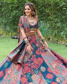 Simple Designer printed lehenga choli for bridal look.For order WhatsApp on draping styles dress for bride indian dresses indian teens wedding outfits sisters blouse designs indian with dress blouse designs dresses indian Indian Bridal Outfits, Indian Designer Outfits, Wedding Outfits, Designer Dresses, Lehnga Dress, Lehenga Choli, Indian Lehenga, Indian Gowns Dresses, Bridal Dresses