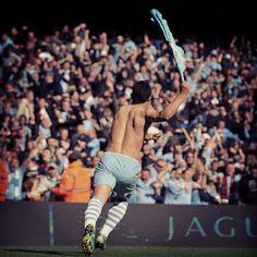 Bring it home boys. Game on! Zen, Kun Aguero, Premier League Champions, Referee, Great Memories, Manchester City, First Love, Kicks, Soccer