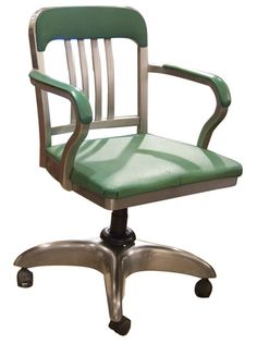 'Living the American Dream': 1950s Desk Chair, a snip (ahem) at just £375 at The Old Cinema... I'll just carry on dreaming, then.