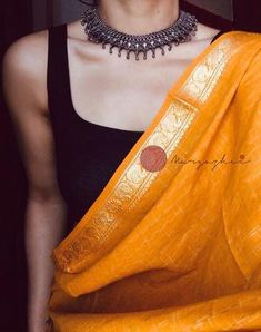 Dress Indian Style, Indian Fashion Dresses, Indian Designer Outfits, Indian Outfits, Fashion Outfits, Emo Fashion, Trendy Sarees, Stylish Sarees, Cotton Saree Blouse Designs