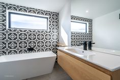 With clean lines and a range of contemporary finishes, the Qubo vanity is one of our most versatile ranges. Featured here, our Michel César, Qubo vanity in a natural oak finish is offset by this incredible black and white inspired bathroom. Designed by Archi Build Ltd.  Product featured: Qubo one drawer vanity. Image by Archi Build Ltd via www.archipro.co.nz/projects/idaburn-project-archi-build #modernbathrooms #designerbathrooms #bathroominspo #vanities #nzmade Bathroom Goals, Bathroom Inspo, Bathroom Styling, Bathroom Organization, Bathroom Sets, Bathroom Inspiration, Modern Bathroom, Bathroom Furniture, Bathroom Interior