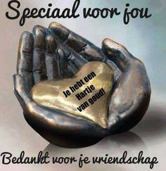 Heb wel mensen in gedachte Afrikaanse Quotes, Dutch Quotes, Good Morning Flowers, Best Friends Forever, Good Morning Quotes, Little Sisters, Positive Quotes, My Friend, Friendship