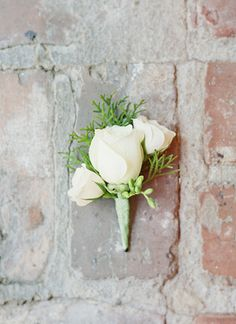 simple white boutonniere | Landon Jacob #wedding