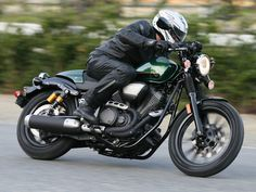 The 2015 Star Bolt C-Spec offers café racer style in a cruiser package.