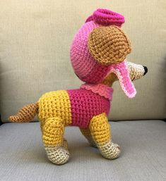 Toy will be about 9-10 tall if you use yarn weight #4 (medium) and hook 3,25-4 mm. To make bigger toy (11-12) crochet with double yarn (or bulky) and hook 4,5-4,75mm. Zuma and Everest patterns translation you can find here: