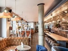Enjoy seasonal British cuisine and stunning St Paul's views at The Swan at the Globe on Bankside. Fentimans, Window Table, Restaurant Pictures, Online Restaurant, London View, Vintage Pendant Lighting, London Landmarks, Private Dining Room, Restaurant Reservations