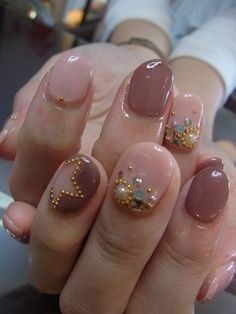 Nailart pink beige and transparant