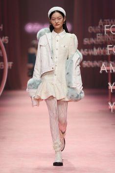Kpop Fashion Outfits, Ulzzang Fashion, Stage Outfits, Winter Fashion Outfits, Trendy Fashion, High Fashion, Fashion Show, Modern Fashion, Fashion Design