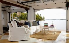 Talk about a view! Rolling up the walls is one of the more fabulous ideas we've seen!