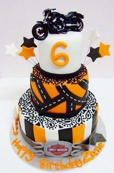 Harley davidson cake - idea for friends for a future anniversary Creative Cakes, Creative Food, Beautiful Cakes, Amazing Cakes, Harley Davidson Cake, Motorcycle Cake, Dad Birthday Cakes, Cool Cake Designs, Ideas Hogar