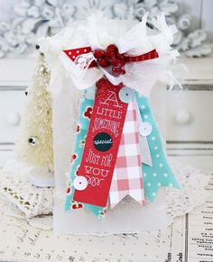 A Little Something Treat Bag by Melissa Phillips for Papertrey Ink (September - June 29 2019 at Christmas Mix, Christmas Gift Box, All Things Christmas, Christmas Cards, Christmas Ideas, Small Paper Bags, Craft Packaging, Cardmaking And Papercraft, Holiday Gift Tags