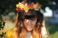 the autumly version of a flower crown: leaf crown!