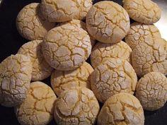 Fursecuri Ghoriba asezate pe o farfurie Jacque Pepin, Healthy Desserts, Goodies, Yummy Food, Sweets, Candy, Vegan, How To Make, Recipes