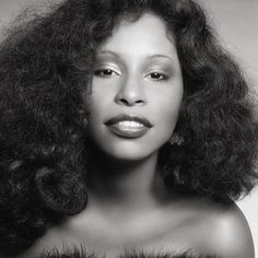 Describe the differences in Beauty between Sade, Chaka Khan and Phyllis Hyman Vintage Black Glamour, Vintage Beauty, Twists, Dreads, Beautiful Black Women, Beautiful People, Hello Beautiful, Amazing People, Gorgeous Hair