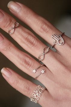 White Gold Infinity Midi Ring Set of 2 White Gold Rings, Silver Rings, Girlish Diary, Infinity Jewelry, Cute Stars, Jewelry Showcases, Knuckle Rings, Gold Heart, Gold Wire