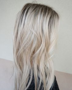 Beach blonde  #hairbykimjette #rootshadow #blonde #coolblonde #colormelt #babylights