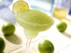 Gefrorener Limetten-Margarita ist ein Rezept mit frischen Zutaten aus der Kategorie Südfrucht. Probieren Sie dieses und weitere Rezepte von EAT SMARTER!