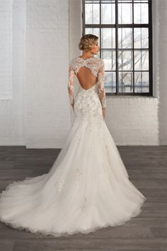 Style 7760 Cosmobella 2016 wedding dress collection #lace #keyhole #back