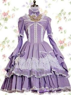 Amazing purple lolita dress!
