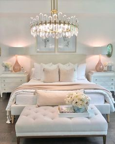 Room Ideas Bedroom, Home Decor Bedroom, Master Bedroom, Classy Bedroom Ideas, Design Bedroom, Bedroom Wall, Jugendschlafzimmer Designs, Gold Designs, Pretty Bedroom