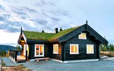 Photo gallery with Latlaft built houses Log Cabin Exterior, Log Cabin Homes, Norwegian House, Swedish Cottage, Country Home Exteriors, Scandinavian Home, House In The Woods, Cozy House, Modern Rustic