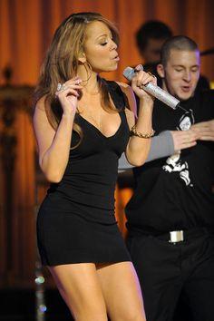 Mariah Carey Singing, Mariah Carey 90s, Mariah Carey Pictures, Ellen Degeneres Birthday, Celebrity Photos, Celebrity Style, Celebrity Babies, Maria Carey, Mtv Videos