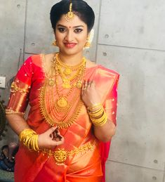 Fulfill a Wedding Tradition with Estate Bridal Jewelry Kerala Wedding Saree, South Indian Bride Saree, Indian Wedding Bride, Indian Bridal Sarees, Kerala Bride, Lehenga Wedding, Hindu Bride, Indian Bridal Fashion, Indian Bridal Wear