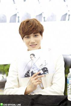 Kai ♡ #EXO - Busan Fansign (130608)