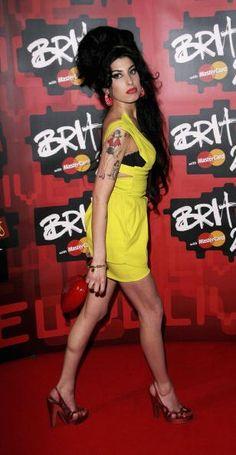 Amy Winehouse  was een Britse jazz- en soulzangeres. Ze werd bekend in het Verenigd Koninkrijk met haar album Frank. In de rest van de wereld werd ze bekend met haar album Back to Black met daarop de hitsingles Rehab en Back to Black. Overleden: 23 juli 2011, Camden, Londen, Verenigd Koninkrijk