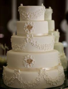 Dainty White Tiny Flowers Swag Wedding Cake