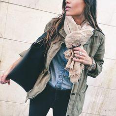 A horas para el gran día. Qué nervios!! Hemos estado en el obrador de @mycandyprince recogiendo algunos dulces para mañana y ultimando detalles para la gran fiesta #chloécumpledos (pañuelo de estrellas de @mikashopmadrid) #barbaracrespo #todaymood #picoftheday #ootd #autumn #bloggergirl #fashionblogger #blogger #fashion #fashionstyle #fashionable #fashiongram #instamood #instadaily #instapic #instafashion #instacool #lifestyle #lookoftheday #mikashopmadrid #zara #hakei