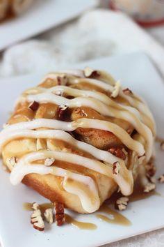 Gahh sooo good!!!! Apple Pecan Cinnamon Rolls with Cream Cheese Frosting and Homemade Caramel Sauce