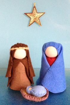 One of a kind warm original This offer is for 2 crib dolls and BABY JESUS IN A SMALL BASKET The dolls are about 9 cm tall approx.) They are perfect for telling the story of the advent or just as a wonderful addition to she Christmas Jesus, Christmas Nativity, A Christmas Story, Felt Christmas, Christmas Crafts, Waldorf Crafts, Waldorf Toys, Three Wise Men, Nativity Crafts