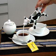 Cow Shape Milk Jug by goodbuy on Zibbet Cow Kitchen Decor, Cow Decor, Kitchen Items, Cow Ornaments, Coffee Artwork, Cow Creamer, Cow Art, Milk Jug, Ceramic Cups