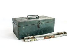 Vintage Green Rustic Metal Tool Box /  Tackle Box by tawneyvintage, $32.00