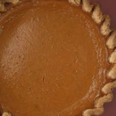 Pumpkin Pie with Rum halloween recipes healthy Thanksgiving Desserts, Holiday Desserts, Holiday Recipes, Holiday Drinks, Thanksgiving Ideas, Pumpkin Pie Crust, Pumpkin Pies, Low Calorie Sweets, Whole Wheat Pie Crust