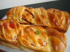 Reteta culinara Cosite cu rahat, nuci si stafide din categoria Prajituri. Specific Romania. Cum sa faci Cosite cu rahat, nuci si stafide Fusilli, Apple Pie, Gem, Sweets, Desserts, Recipes, Easter, Food, Cakes