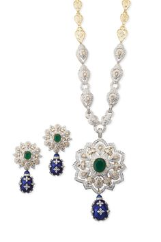 Beautiful diamond necklace #JetGems #beautiful #elegant #exquisite #style #stylish #design #designer #ornaments #diamond #colorful #necklace #instapic #instalike #instalove Gems Jewelry, Bridal Jewelry, Fine Jewelry, Jewellery, Signature Design, Jewelry Branding, Indian Jewelry, Handcrafted Jewelry, Designer
